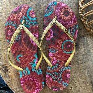 EUC Havaianas Flip Flops